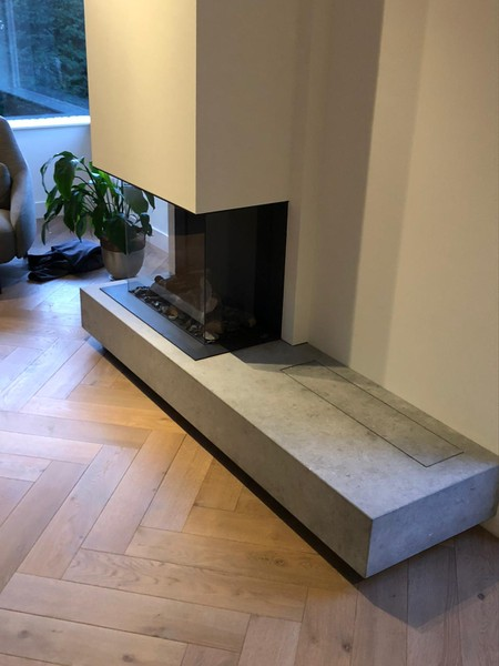 Gashaard met meubel waar de televisie in verborgen wordt